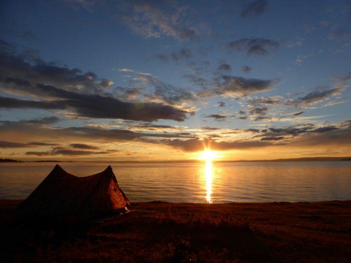 Lever de soleil sur la tente, Lac Khövsgöl