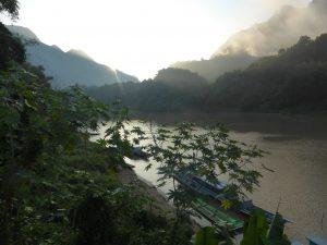 Lever de soleil sur notre balcon, Nong Khiaw