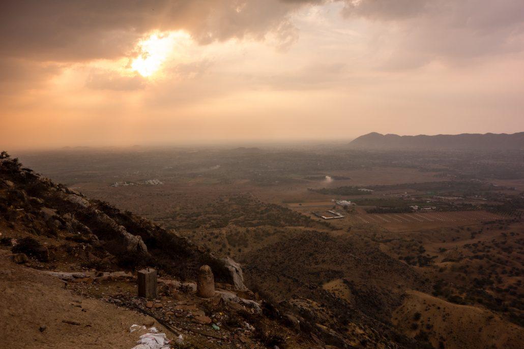 Vue sur Pushkar (avant l'averse de grêle)
