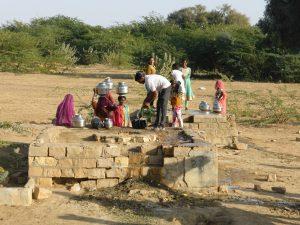 Villageois au puit