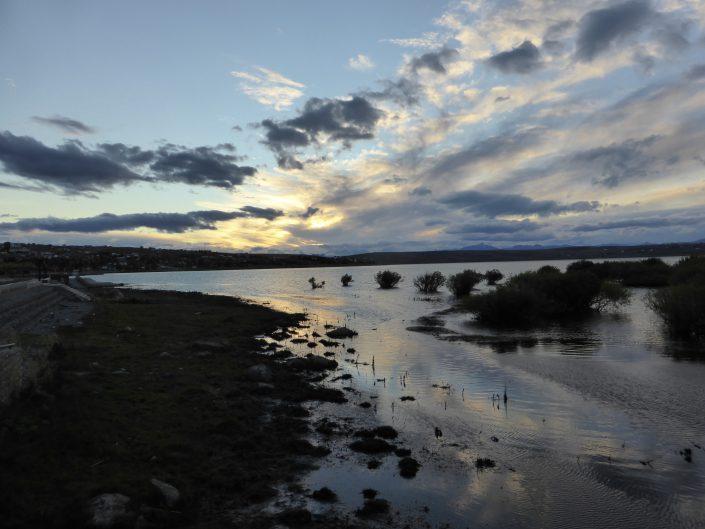 Coucher de soleil sur le Lago Argentina à El Calafate