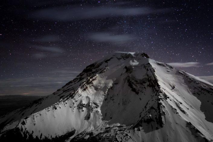 Vue de nuit sur le Pomerape depuis le Parinacota