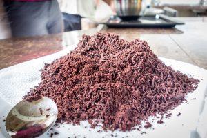 Fabrication du chocolat : grains moulus