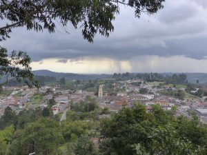 Vue sur Salento depuis le haut du village