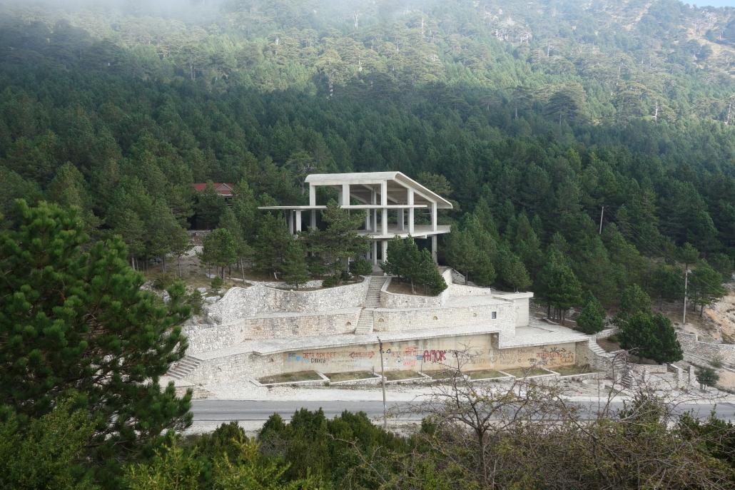 Un des nombreux bâtiments en travaux...