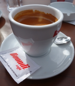 Le café, tradition albanaise
